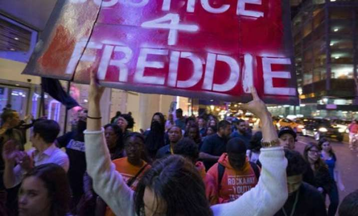 baltimore police submit report on black man s death