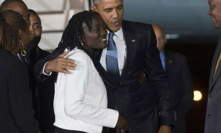 president barack obama visits kenya reunites with father s