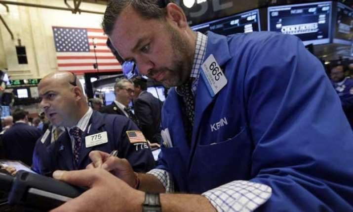 us stocks extend losses as early rally fades