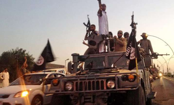 isis kills 50 rival rebels in syria