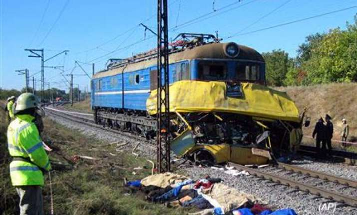 43 killed in train bus collision in ukraine