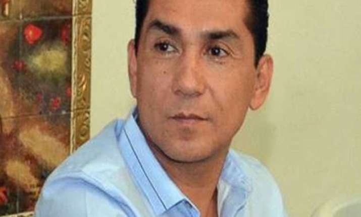 mexico warrant for mayor in disappearance of 43 students