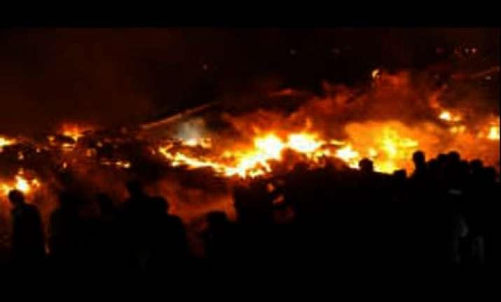 12 killed in cargo plane crash in pak
