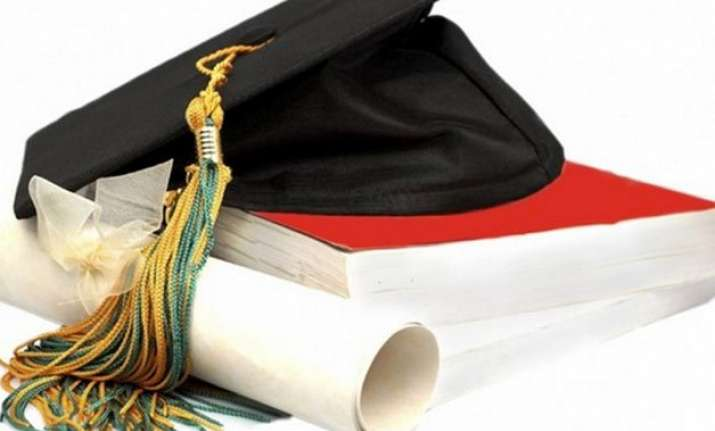 first ever mphil degree in hindi awarded in pakistan