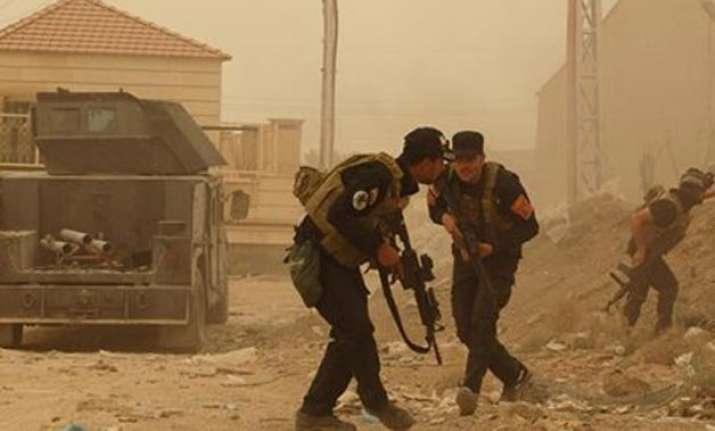 islamic state seizes government compound in iraq s ramadi