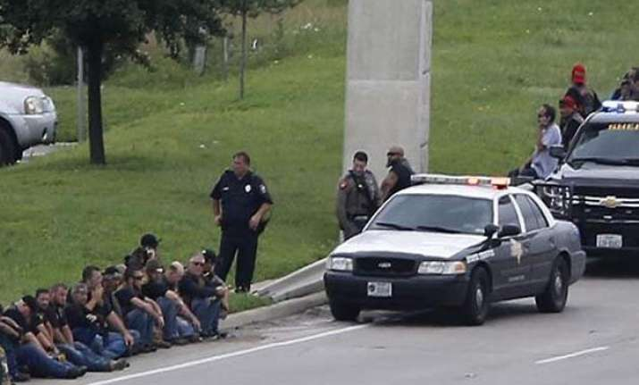 at least nine dead in shootout in texas