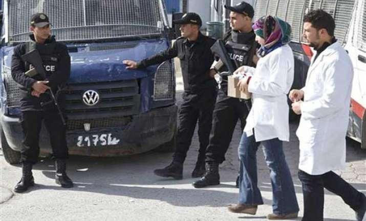 tunisia death toll in museum attack rises to 23