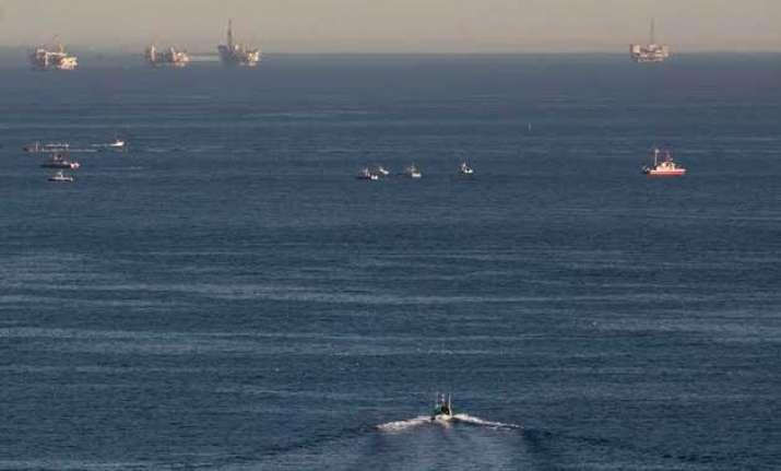 2 planes crash in mid air plunge into ocean off los angeles