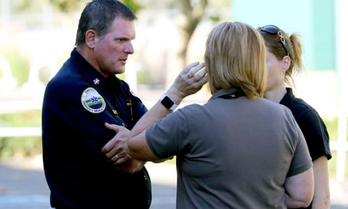us gunman opens fire at oregon college at least 9 killed