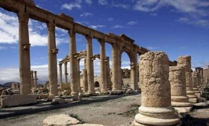 isis seizes ancient syrian city of palmyra