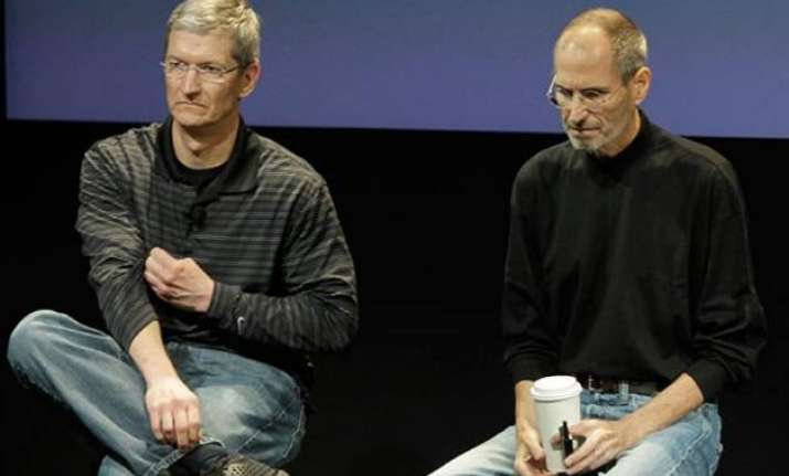 tim cook offered dying steve jobs part of his own liver