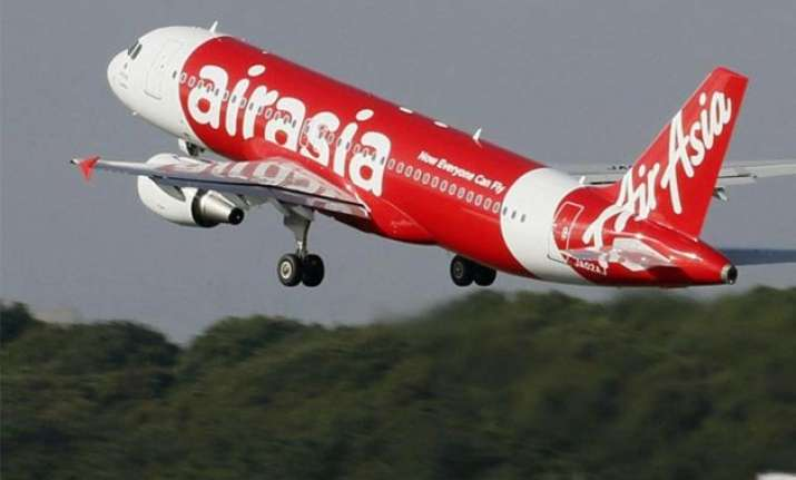 french co pilot was flying airasia plane when it crashed