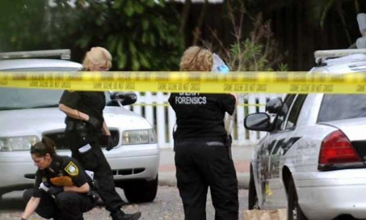 one dead two injured in us mall shooting