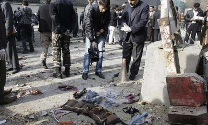 18 killed in afghanistan checkpoint attack