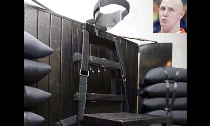 chilling account of us execution his hand clenched into a