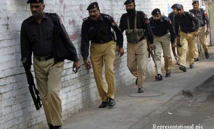 pakistan police fear red mosque militants trying to regroup