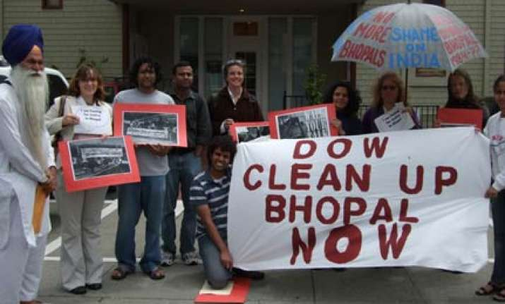no linkage between bhopal and investment ties us