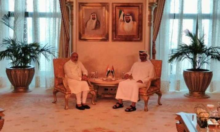 pm modi holds talk with uae crown prince