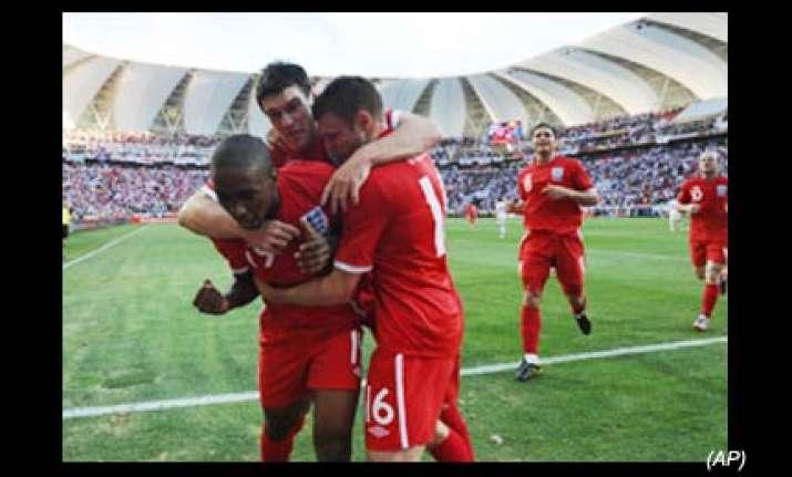 england advances at world cup beats slovenia 1 0