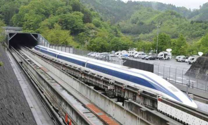 japan s maglev train breaks own speed record at 361 mph