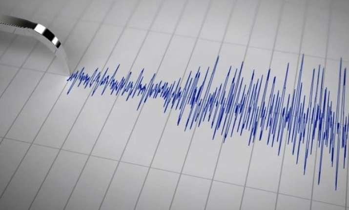 8.3 magnitude quake hits indonesia tsunami alert issued
