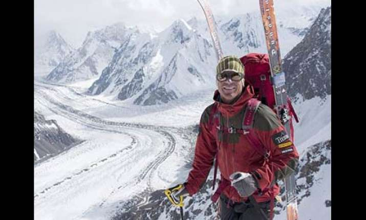 swedish climber dies while climbing k2 peak