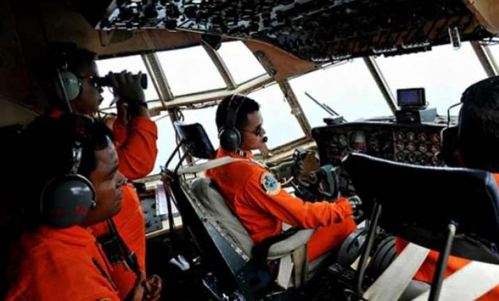 airasia crash search to continue with waves forecast 2 3