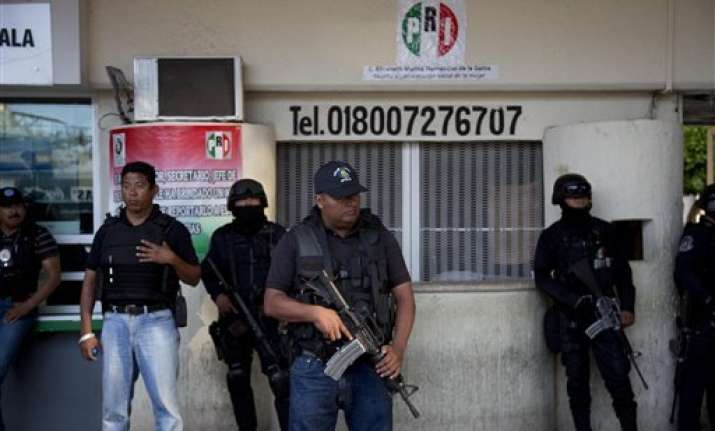 mexico federal police take over city after attacks