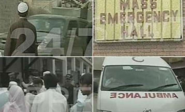 friday massacre at mosques two attacks kill 70 in pakistan