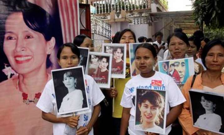 myanmar s suu kyi on cusp of freedom officials