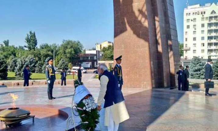 pm modi lays wreath at victory monument in kyrgyzstan