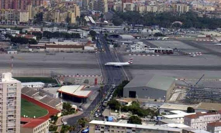 world s 10 most dangerous airports