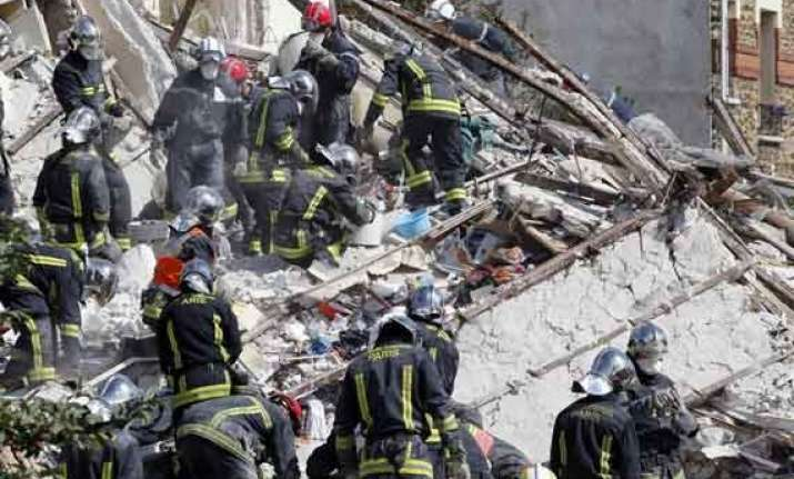 building collapses in paris suburb after explosion
