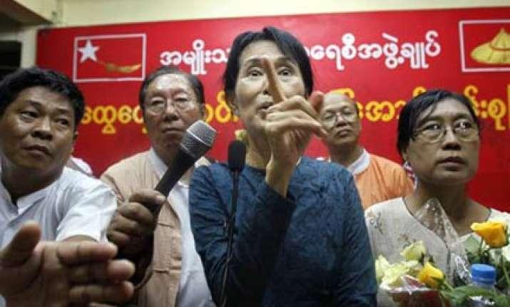 aung san suu kyi demands freedom of speech in myanmar