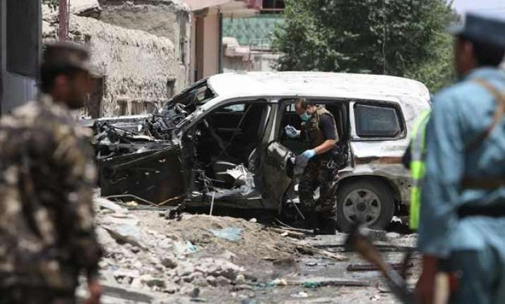 suicide bomber hits kabul police academy kills 20 recruits