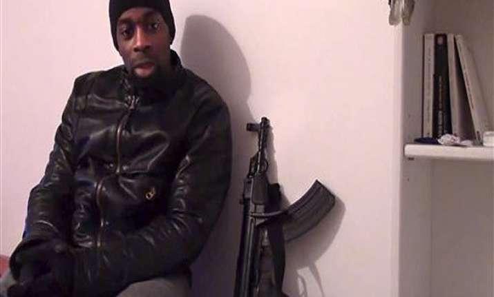 video of paris gunman raises questions of affiliations