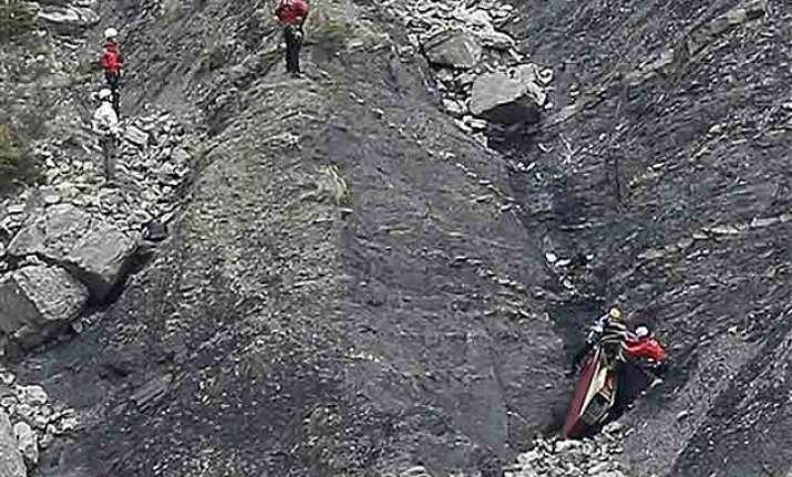 germanwings crash prosecutor says co pilot purposely