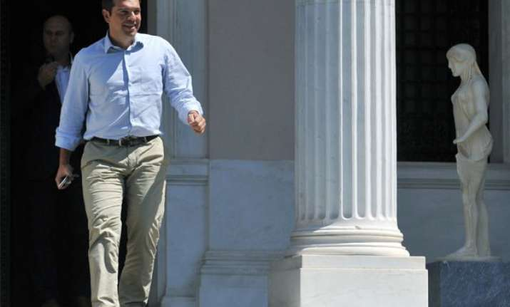 greece s pm alexis tsipras quits calls early polls