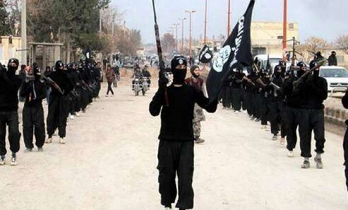 is jihadists execute iraqi journalist 12 other people
