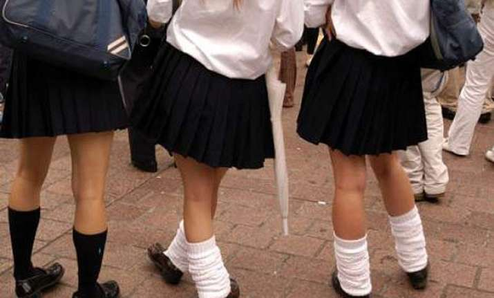 uk school bans skirts to prevent male teachers getting