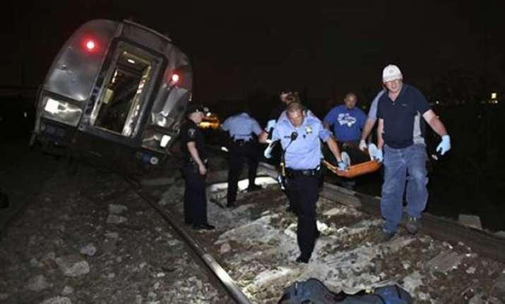 new york bound amtrak train derails in philadelphia several