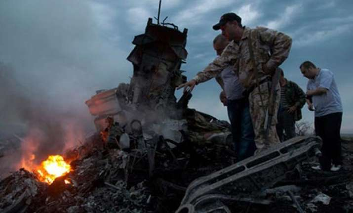 new footage of crashed malaysia airlines flight emerges