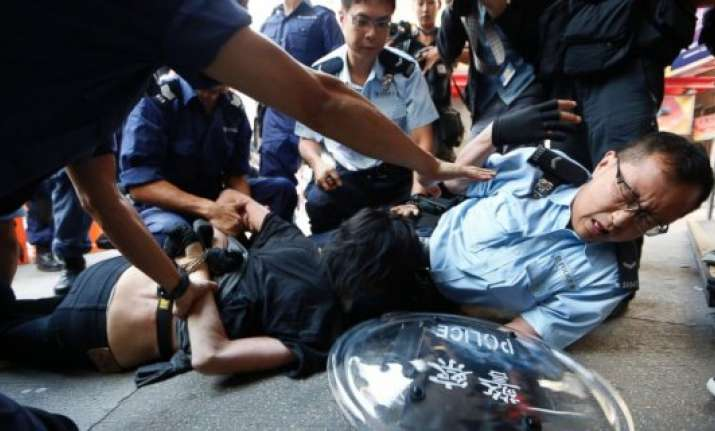 hong kong police arrest 26 amid street clashes