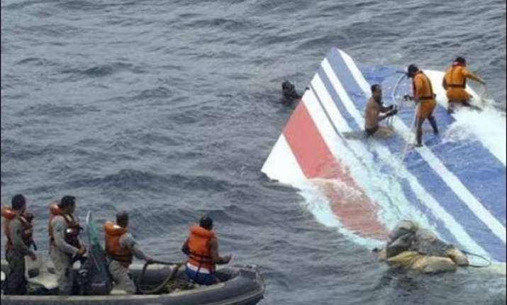 malaysia dispatches team to verify plane wreckage found in