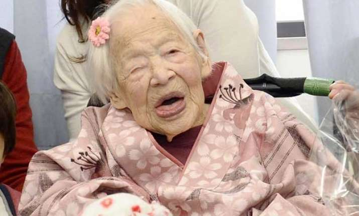 world s oldest person celebrates a day before turning 117