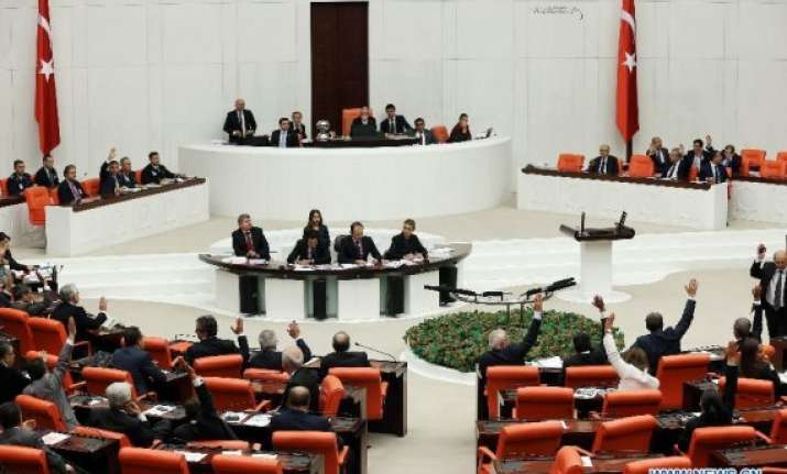 turkish parliament oks anti terrorism action in syria iraq