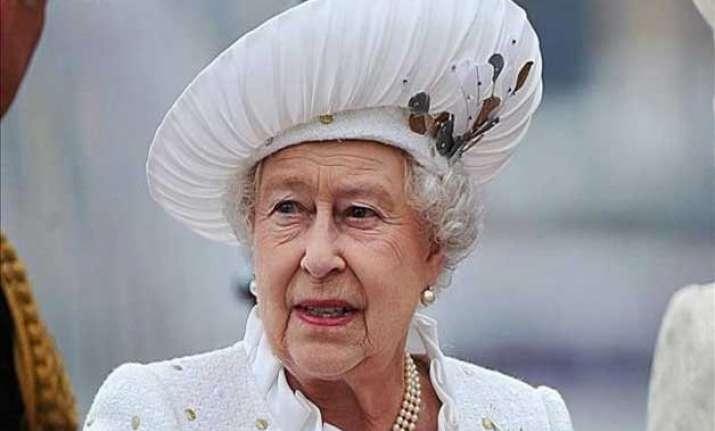 queen elizabeth ii becomes world s oldest monarch