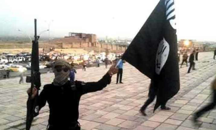 isis executes 8 dutch members for desertion