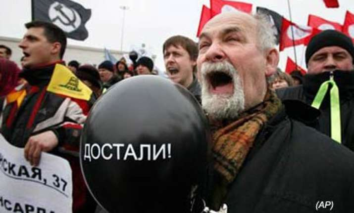 thousands protest russian economic policies