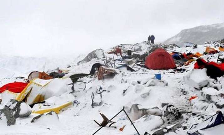 climbers safe on northern slope of mt everest china